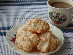 Bredele with coconut (Alsatian Christmas cookie)